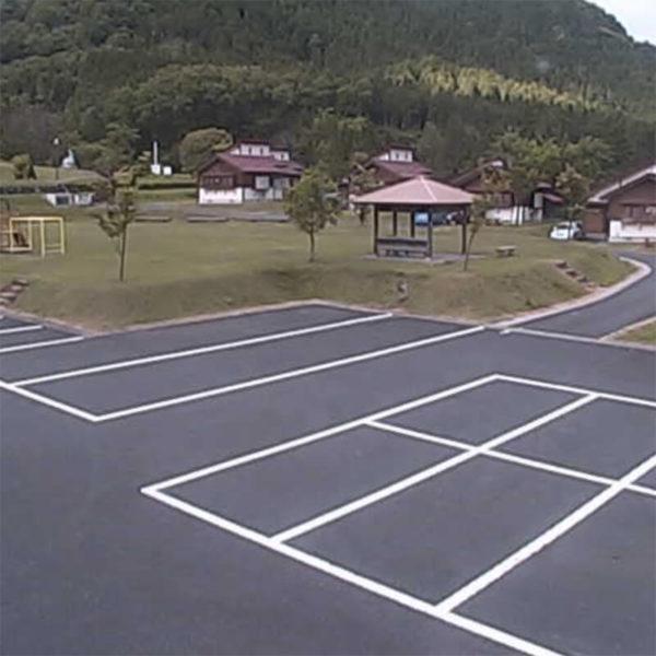 那岐山麓「山の駅」|岡山県奈義町のライブカメラ観光