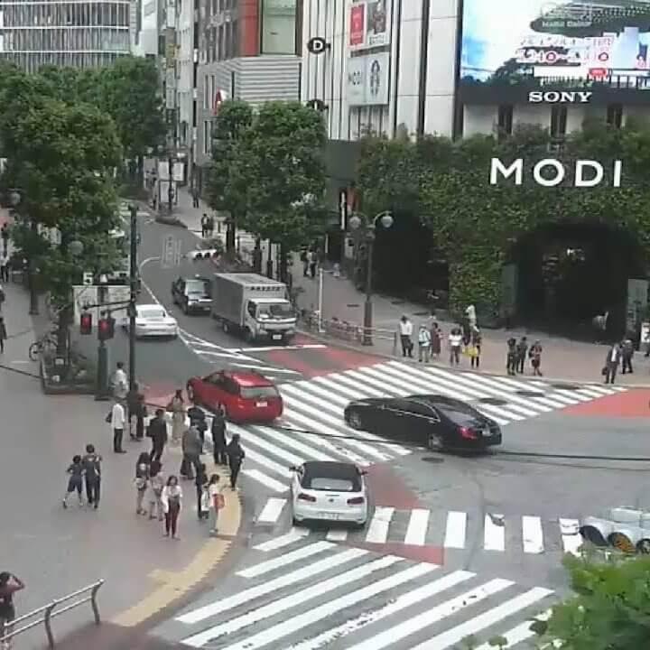 渋谷公園通り(神南一丁目交差点)のライブカメラ・東京都渋谷区
