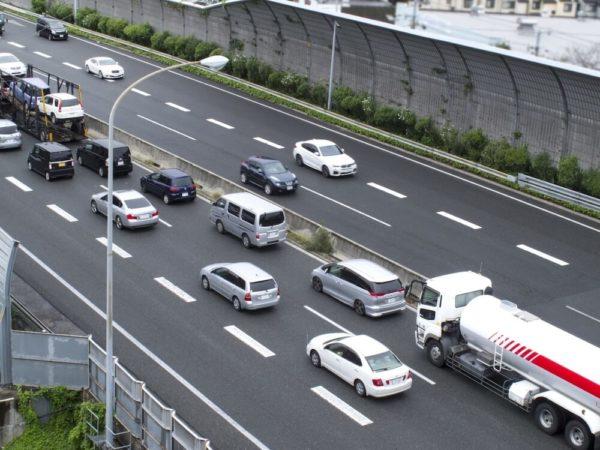 名神高速道路・深草バス停付近のライブカメラ|京都府京都市伏見区
