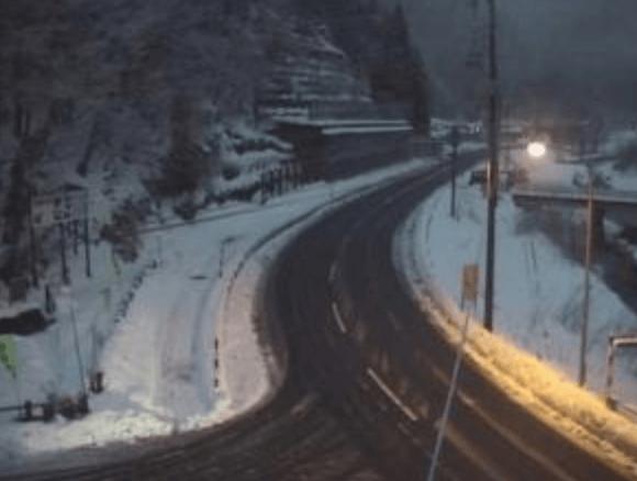 国道108号川井橋のライブカメラ|秋田県湯沢市