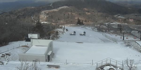 茶臼山高原スキー場山頂のライブカメラ 愛知県豊根村