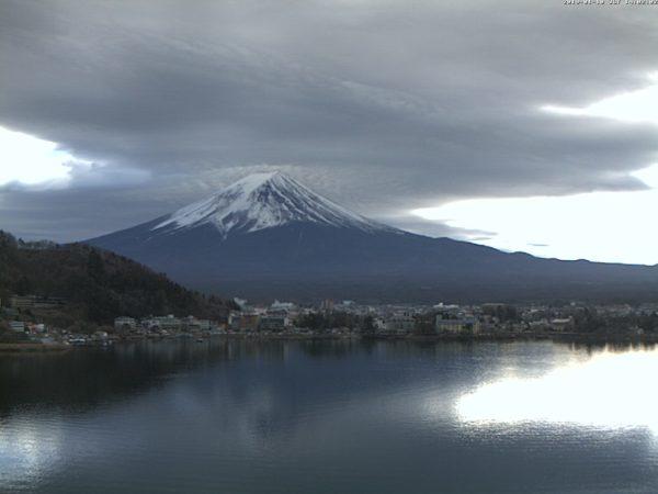 富士山河口湖・風のテラスくくなのライブカメラ|山梨県富士河口湖町