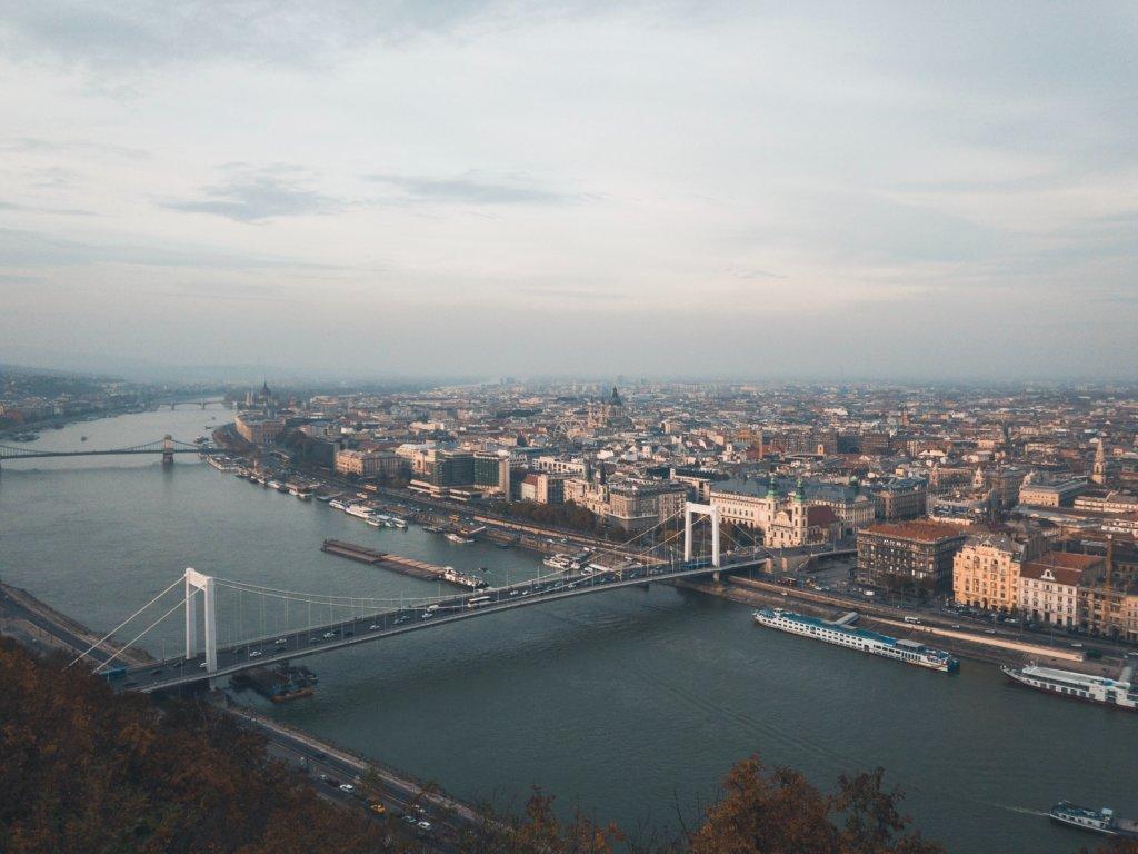 ドナウ川のライブカメラ|ハンガリー・ブダペスト