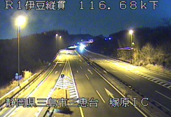 国道1号 伊豆縦貫自動車道 塚原インターチェンジのライブカメラ|静岡県三島市
