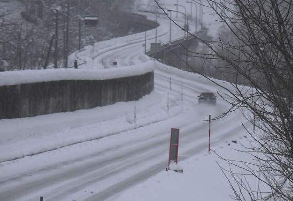 国道148号 下寺のライブカメラ|長野県小谷村