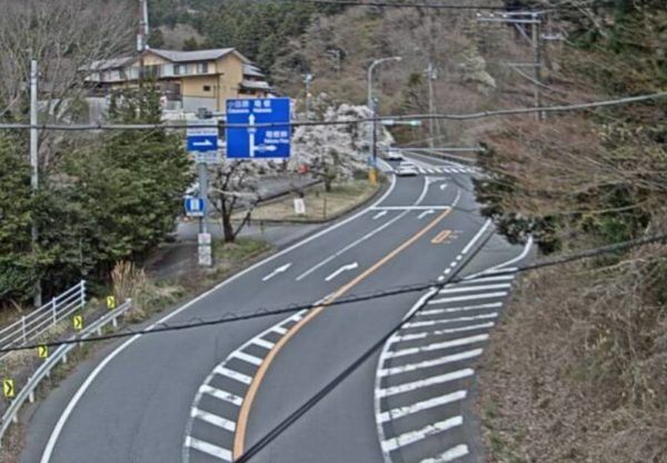 国道138号線 深沢東交差点のライブカメラ|静岡県御殿場市
