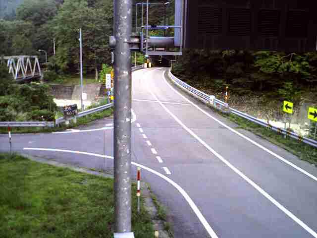 国道257号 大滝橋 南のライブカメラ|岐阜県高山市