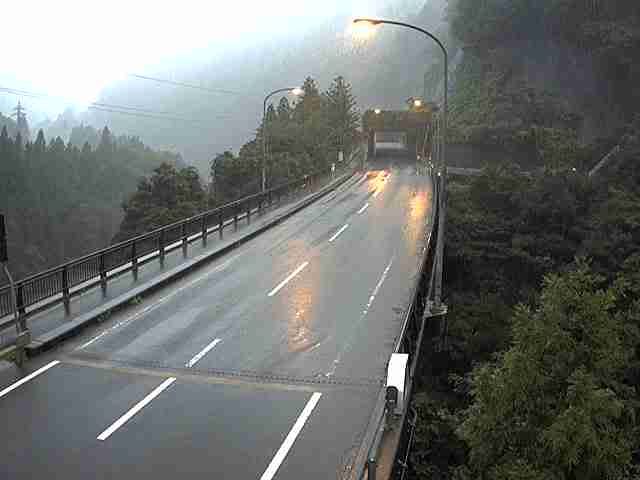 route303-okuradani-bridge-south_cap-3.jpg