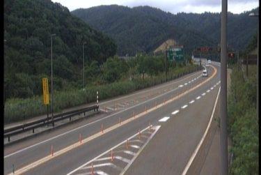 中部縦貫自動車道 夏厩チェーンベースのライブカメラ|岐阜県高山市